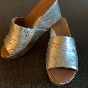 Gentle Souls Silver Wedge Sandals NWB